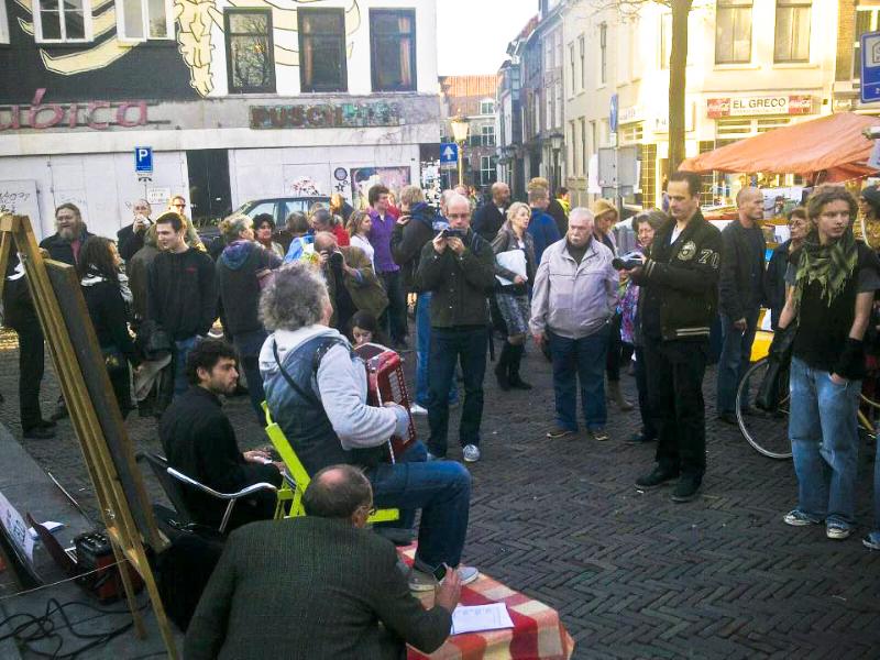 Thijs Hanrath met Freek Zwaneneberg bij stadhuis Utrecht